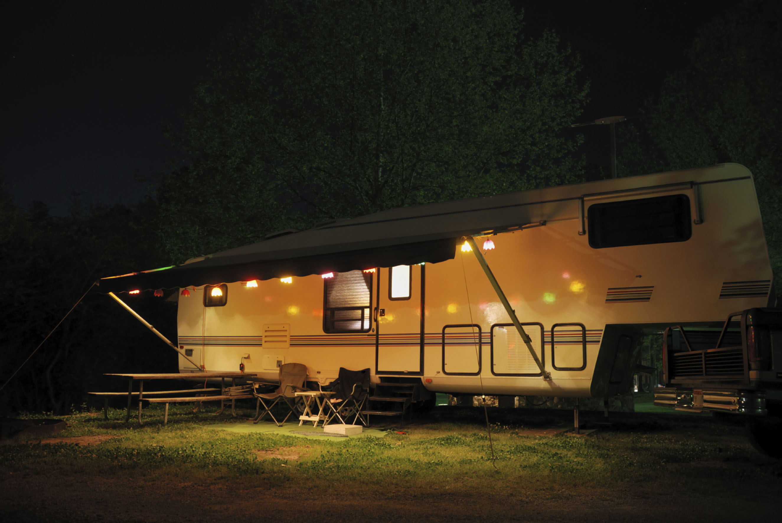Camping at night vakantiebeurs blog camper